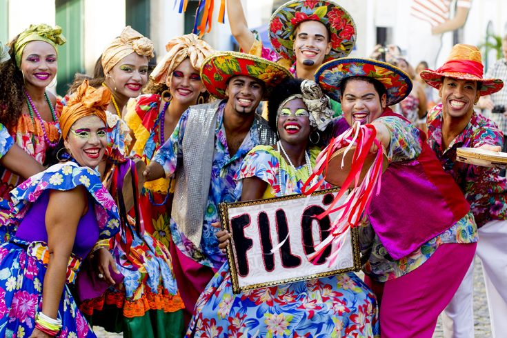 https://flic.kr/p/DwoT5W | Bandão Turma do Bassa Grupo Filó Brincante - Ruas do Pelourinho  09 FEV 2016  (1) | Secult BA Nome da atração: Bandão Turma do Bassa Grupo Filó Brincante Programa: Carnaval do Pelô, Carnaval Pipoca   Local: Ruas do Pelourinho Créditos do fotógrafo: Sidney Rocharte/Secult BA Data: 09 de Fevereiro de 2016 Salvador- Bahia- Brasil