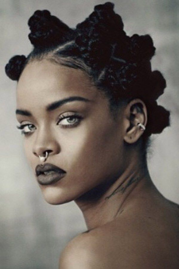 Rihanna : Topless pour i-D Magazine