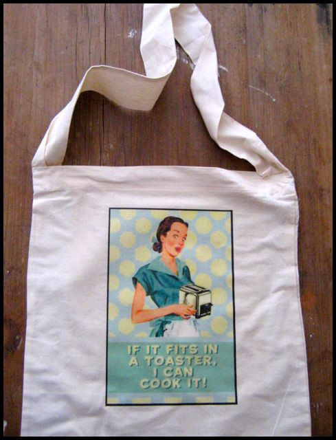 Reusable shopping bag with retro 'If it fits in a toaster I can cook it' print. by Curlytees on Etsy