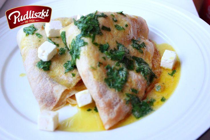 Jesienne naleśniki z dynią okraszone pietruszkowym masłem curry.  #pudliszki #przepis