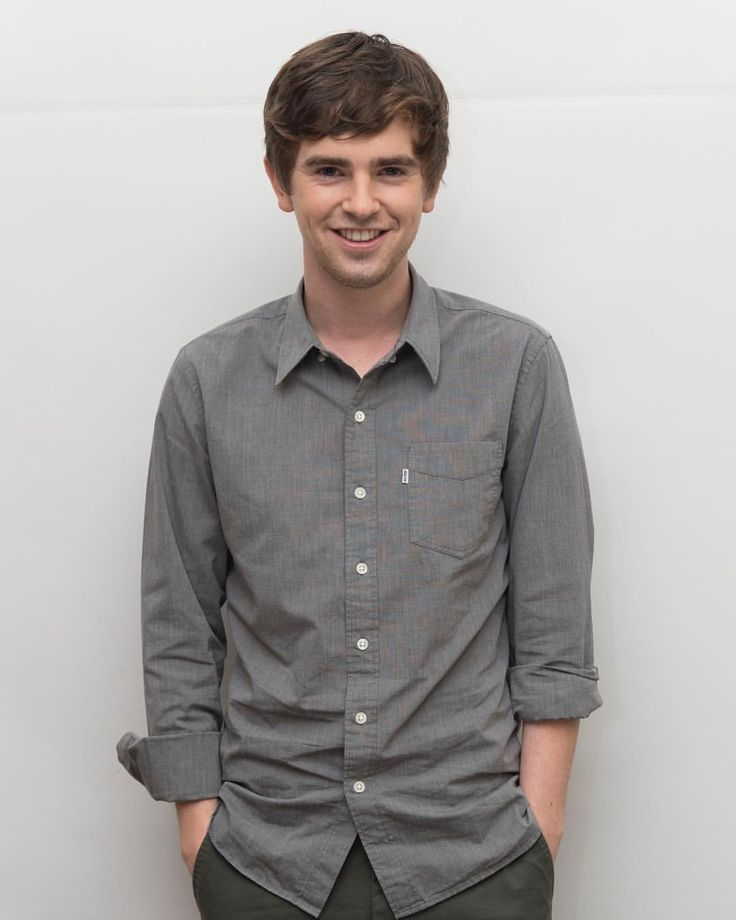 """4,705 Likes, 37 Comments - Golden Globes (@goldenglobes) on Instagram: """"Freddie Highmore, star of the upcoming ABC TV series 'The Good Doctor,' as Shaun Murphy, a young…"""""""