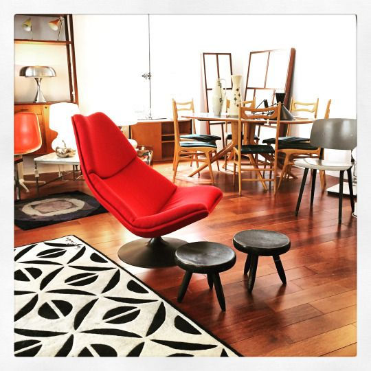 """Hey vintage lovers, today let's see what we got upstairs:  - a Geoffrey Harcourt lounge chair ed. Artifort from the 60s +  - a pair of Charlotte Perriand """"Berger"""" stools ed. Steph Simon in 1956 +  - a Revolt chair by Friso Kramer ed. Ahrend from 55 +  - carpets by Vorwerk and Verner Panton + - an orange La Fonda chair by Charles Eames ed. Herman Miller from 69 +  - a dining-room set in style of Ico Parisi +  - lamps by Robert Sonneman & Gino Sarfatti +  etc!"""