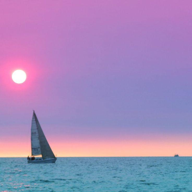 #Sunset sailing on #DarwinHarbour - dry season smokey haze permeates the #sky.  #Beautiful capture from the MV Snubfin as we potter around eating fish'n chips as the #sun sets. ⛵️#sunsetcruise #seadarwin #TopEndNT #NTAustralia #skylovers #sunset_pics