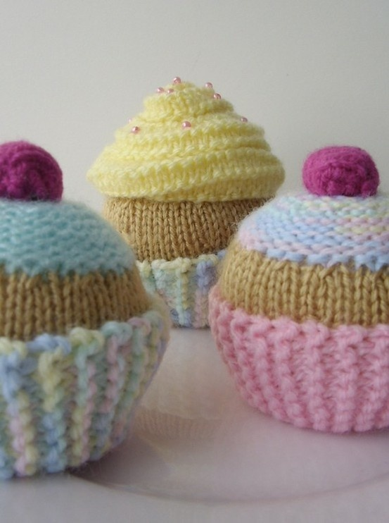 knit cupcake patterns so cute wish I could do that