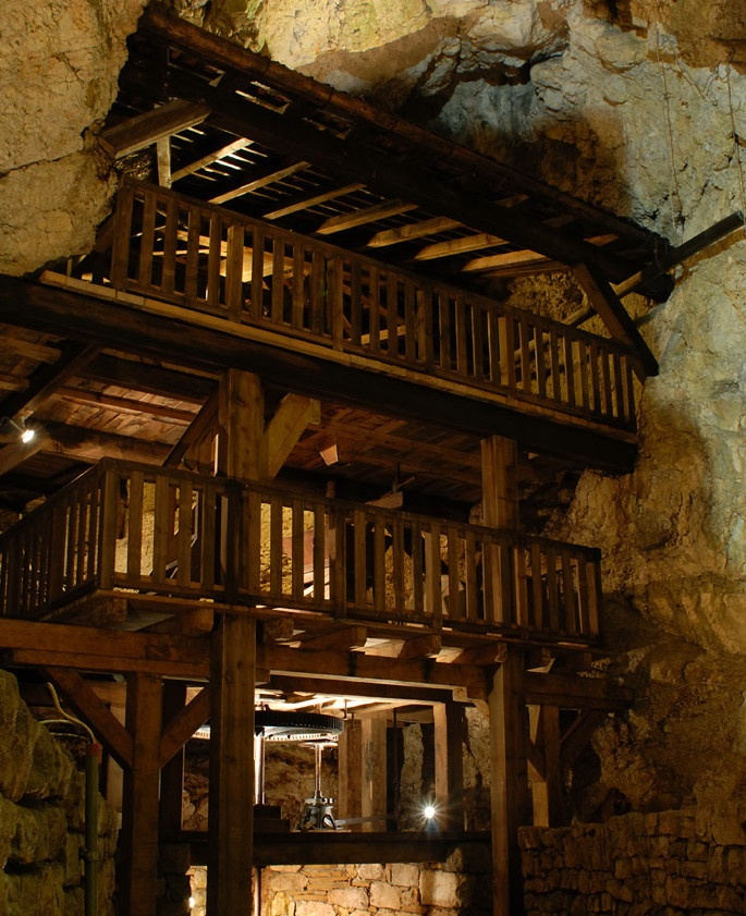 Les moulins souterrains du Col-des-Roches - à visiter