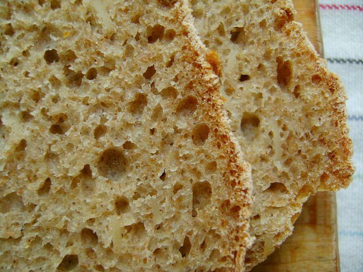Chleb pszenno żytni z migdałami