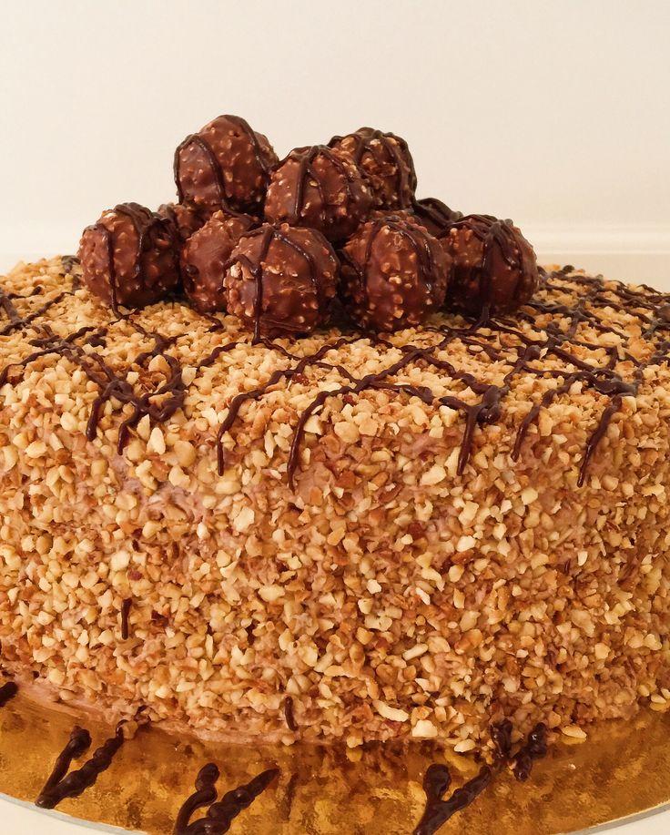 Rocher-Torte mit Nutella und Haselnüssen von CookBakery (Bake Videos)