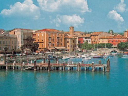 An informative guide to things to do in Desenzano on the shores of Lake Garda. Detailed and humorous with all you need to know about this great town in Italy.