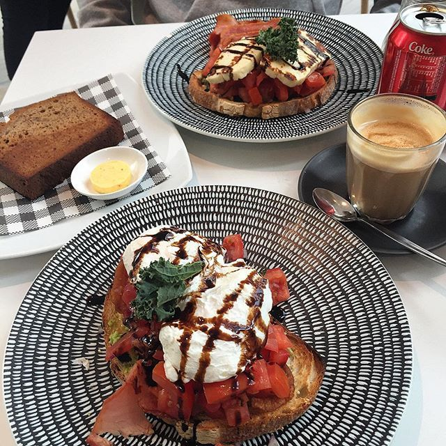 Photo #1053997804094223626 from @sydneyfooddigger. Just can't get enough of this breakfast bruschetta