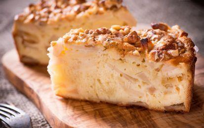 la ricetta vegan della torta di mele senza latte, burro e uova - La torta di mele senza latte, burro e uova è una ricetta per realizzare una torta di mele in versione vegan, perfetto per chi segue una dieta priva di proteine animali.