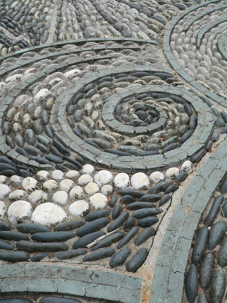 Une calade joliment portée par le rythme des spirales