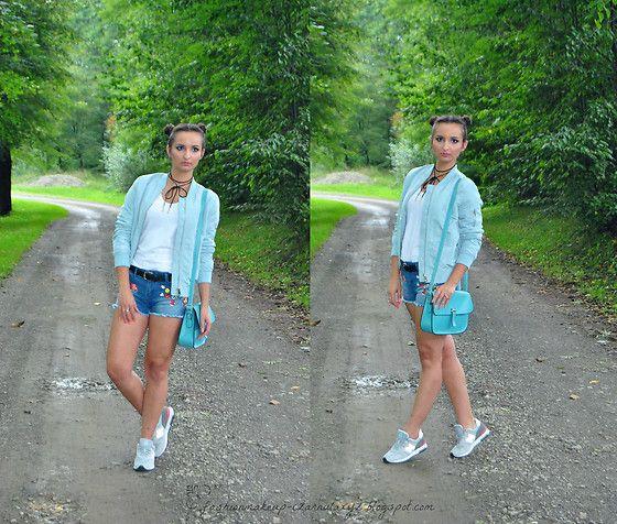 Get this look: http://lb.nu/look/8424327  More looks by Natalia Uliasz: http://lb.nu/czarnulaxyz  Items in this look:  Allegro.Pl Choker, Reserved T Shirt, Stradivarius Bomber Jacket, Lidl Denim Shorts, New Balance Shoes   #bomebrjacket #babyblue #stradivarius #reserved #denimshorts #choker #newbalance