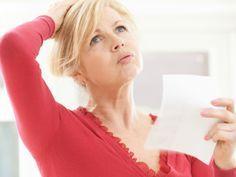 Hitzewallungen in den Wechseljahren Eine der häufigsten Begleiterscheinungen in den Wechseljahren sind Hitzewallungen. Viele Frauen empfinden diese als sehr unangenehm und störend. Wir verraten Ihnen, welche Ursachen diese heißen Schübe haben und was Sie dagegen machen können.