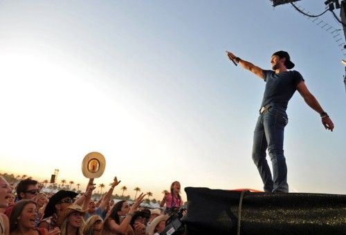 summer country concerts luke bryan <3
