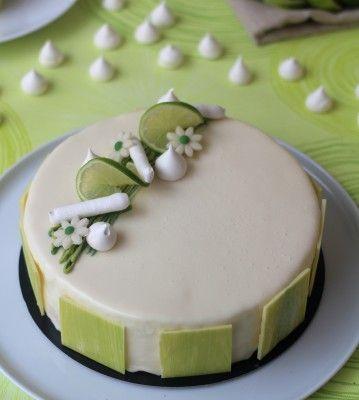 Entremets citron vert et coco, insert à la framboise