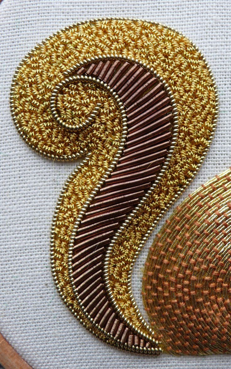 Work a metal thread embroidery Red Squirrel, in gold and copper/brown threads