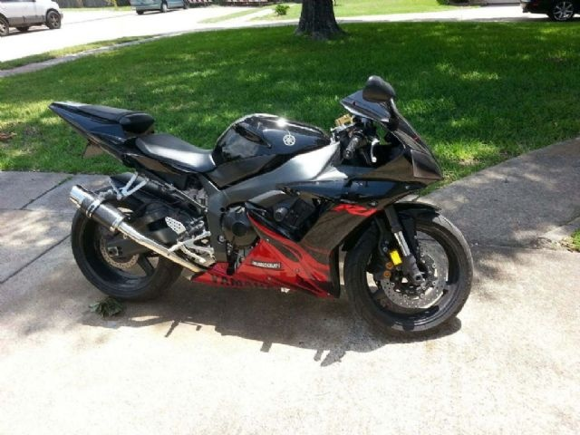 2003 Yamaha R 1 Sportbike , black/red, 66,000 miles for sale in humble, TX