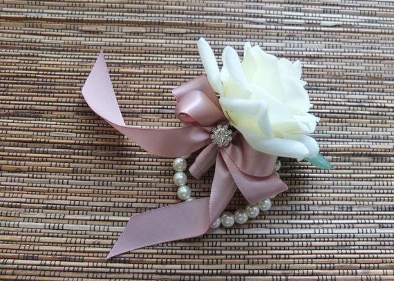 Ramillete de la muñeca de rosa blanca con cinta por LoveMimosaFleur