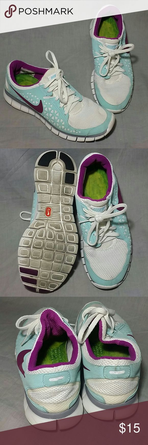Women's NIKE Shoes Size 9.5 M Slip-on Lace ups Item has a sign of being used, white light blue. Nike Shoes Sneakers