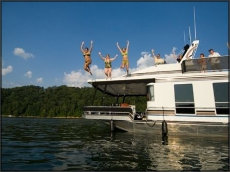 Houseboating on Lake Cumberland- when was the last time you jumped off a house boat????