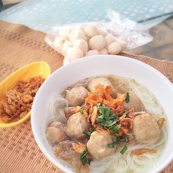 Indonesian homemade beef ball soup by @ bakso_ss. 100% real beef & no preservative! Location: Jakarta.