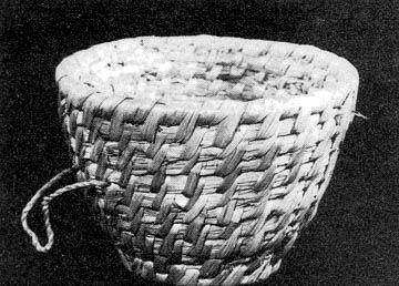 Kenyérszakajtó gyékényből (Tyukod, Szabolcs-Szatmár m.) Bp. Néprajzi Múzeum