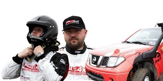 Łukasz Lechowicz, Łukasz Solecki, Nissan Navara Red