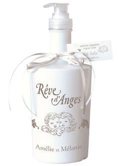 Véritable savon liquide de Marseille parfumé au subtil parfum de vanille et patchouli. http://www.boutique-lothantique.com/savon-liquide~reve-d-anges-amelie-et-melanie-produit-4lx2j37ixltw.html