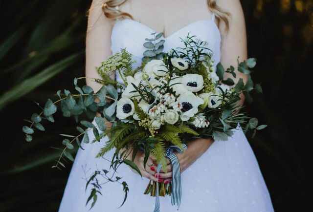Nicole's spring white & green bouquet. Photo by Justin Aaron Weddings