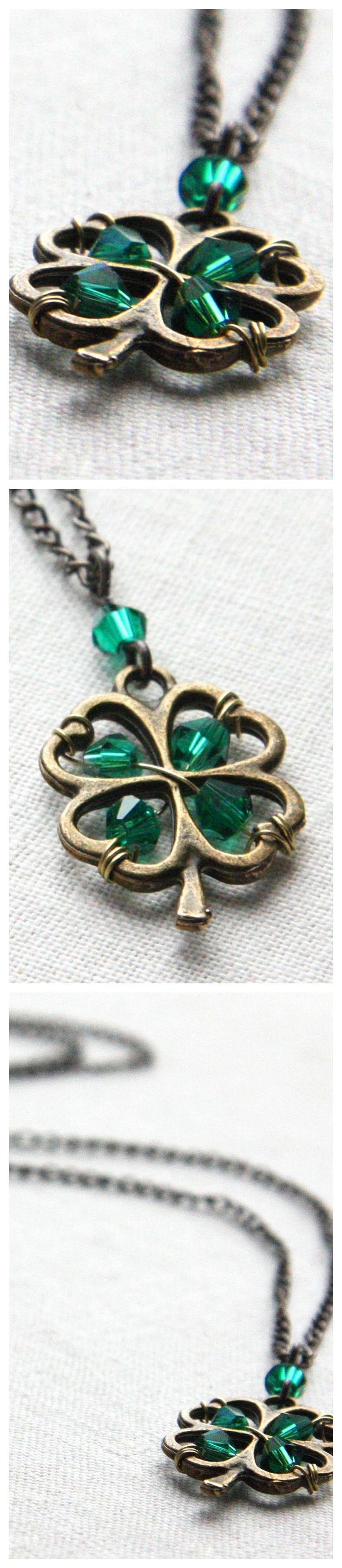 Green lucky shamrock necklace four leaf clover charm emerald green - Four Leaf Clover Pendant Irish Shamrock For Good Luck Emerald Green Crystal Necklace