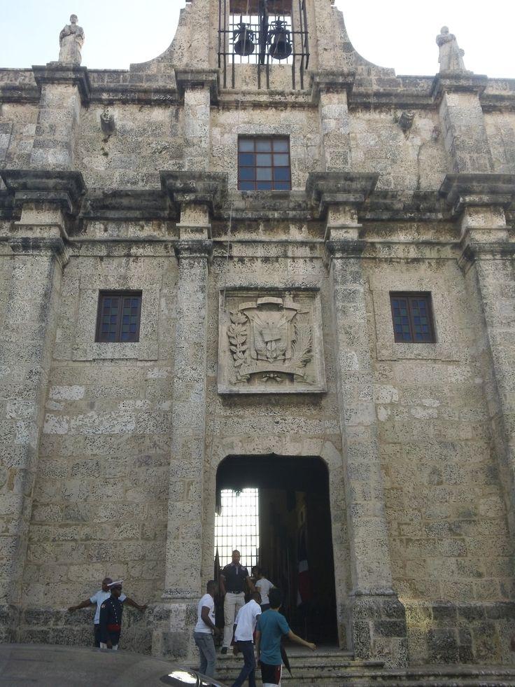 Panteón Nacional Dominicano. Donde descansan los restos de aquellos que han sido parte importante de la historia.