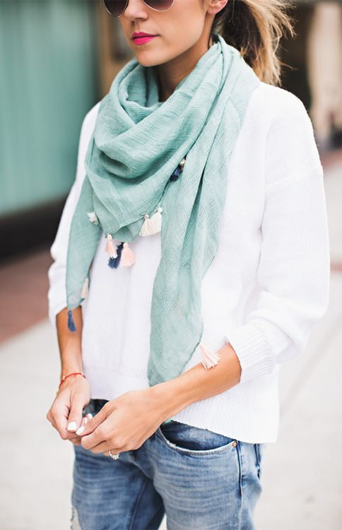 Beautiful mint green scarf for spring. Minimal is key to creating an effortless spring look!