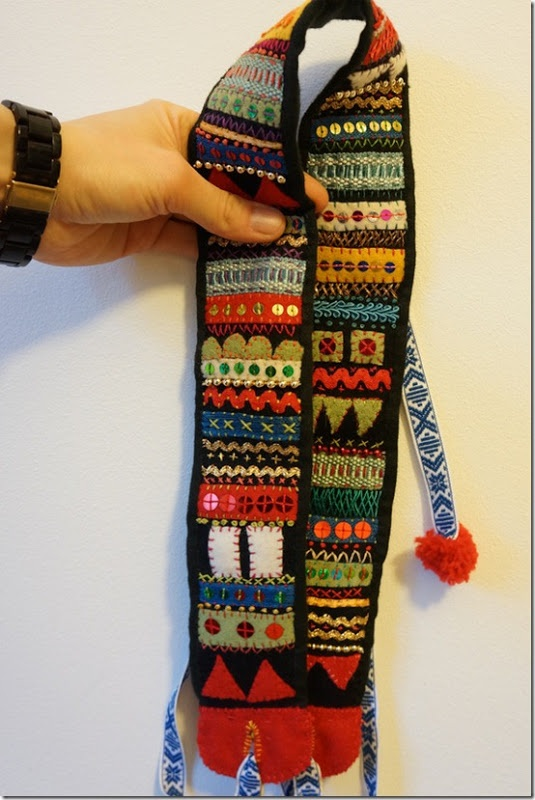My be happy tinsel and sequin belt. Inspiration from the book Brodera på ylle! Swedish grannlåtsbroderi