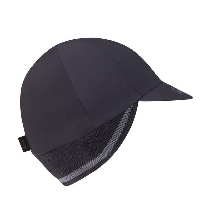 Un bonnet doté de cache-oreilles et de trois couches d'isolation, dont une couche extérieure coupe-vent et une doublure douce en laine mérinos.