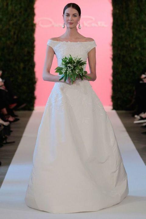 10 Romantic Off The Shoulder Wedding Dresses   Bridal Musings Wedding Blog 8