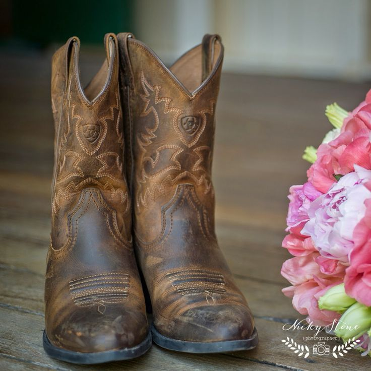 Everyone loves a set of cowboy boots! | Pomegranate Photography | Ginger Lily & Rose Floral Studio