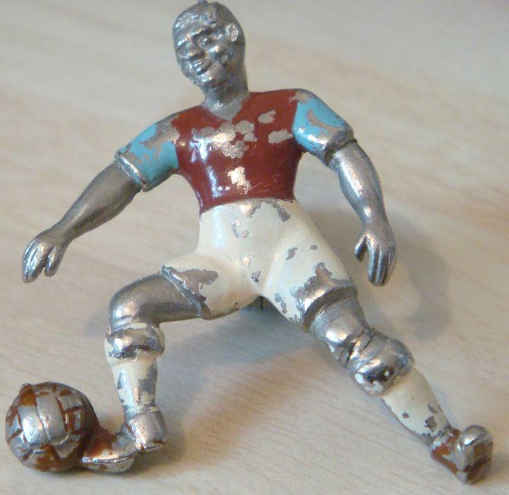 WEST HAM UNITED Very rare vintage player type badge Brooch pin 37mm x 45mm in Sports Memorabilia, Football Memorabilia, Badges/ Pins | eBay