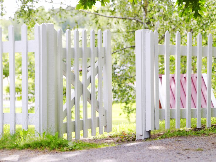 Maalaa aita hohtavan valkoiseksi | Aidat ja portit | Piha ja