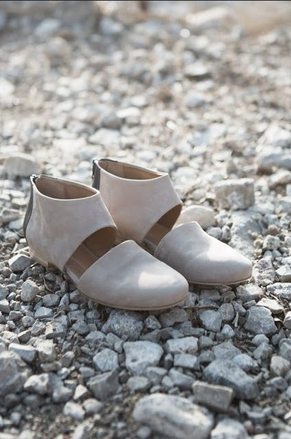 Early Spring perfection.  Illiad by Coclico.