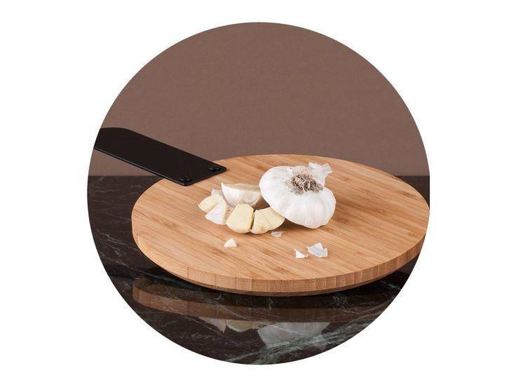 Bambusová verzia z rodiny Thick&Thin dopĺňa masívnu granitovú verziu svojou ľahkosťou. Spolu tvoria komplementárnu sadu, ktora prináša do kuchyne z každým materiálom jedinečnú funkčnosť.