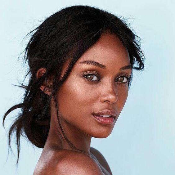 Beauty | Make-up look | Dark hair | Brown eyes | Natural | Highlighter | Eyeshad…