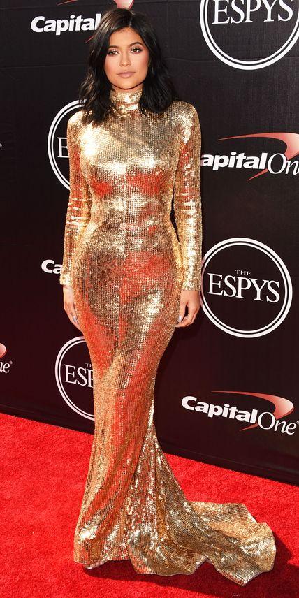 Kylie Jenner in Shady Zeineldin. One of my favorite looks on Kylie !