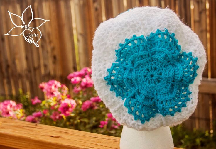 MNE Crafts: Winter Posey Slouch