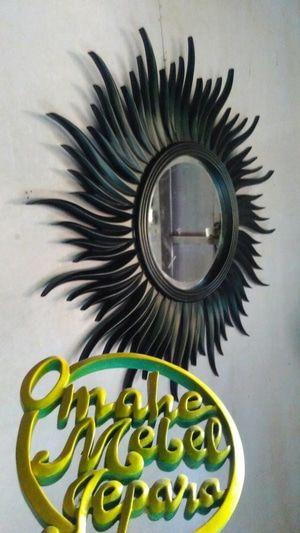 cermin hias dekorasi ruangan duco hitam