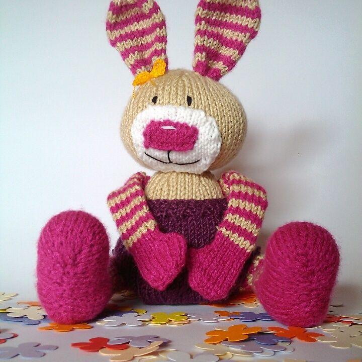 Handknitted bunny zsutta