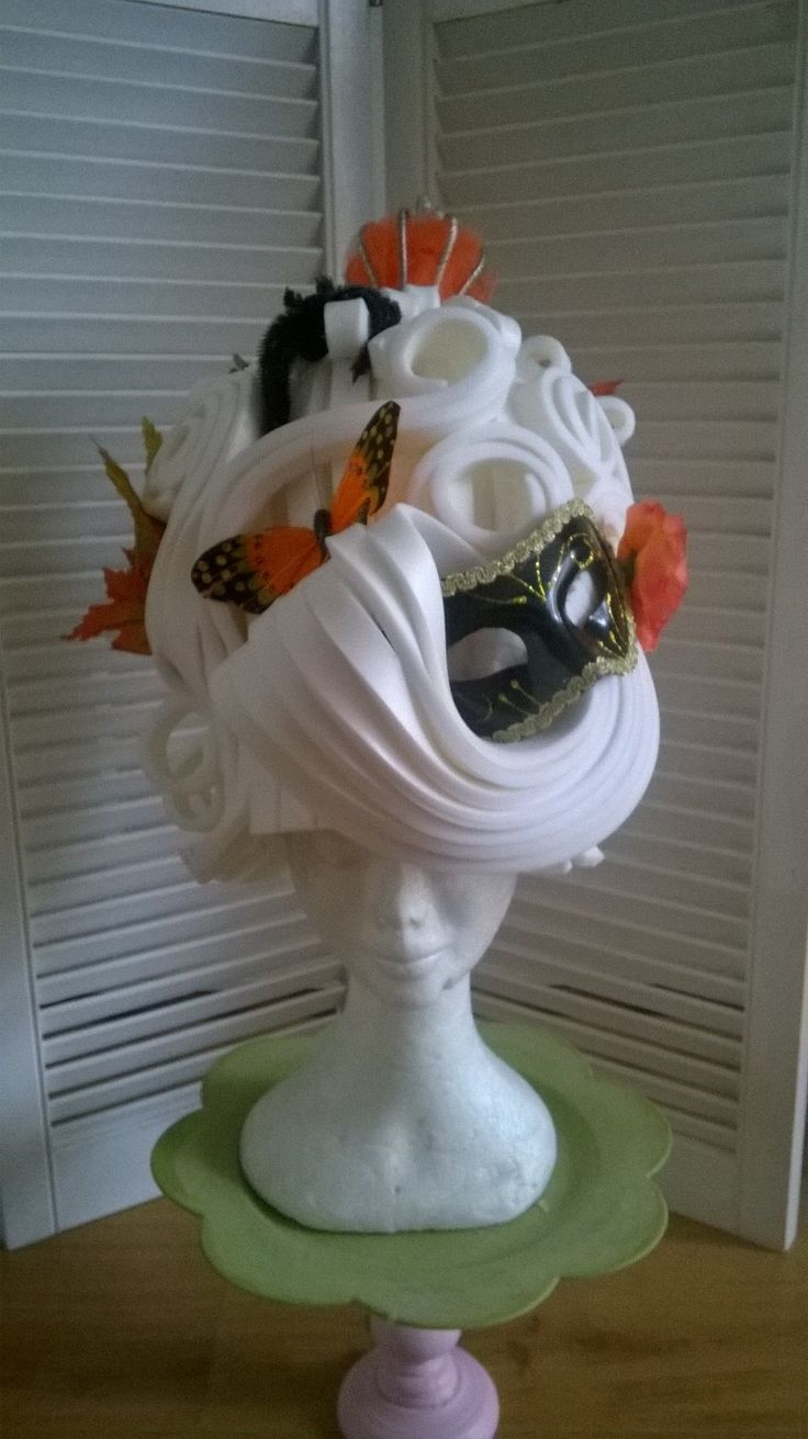 Fall(en) Lady Foam wig made out of white foam like Marie Antoinette. Made by Lady Mallemour