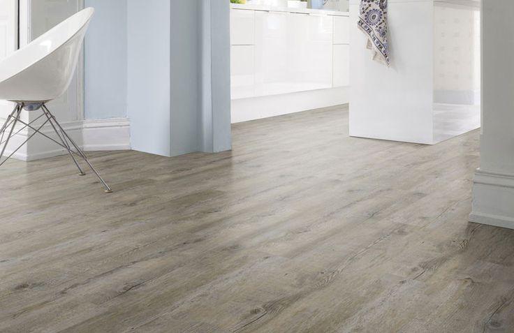 Zoekt u een neutrale vloer in houtmotief? Deze vergrijsde vloer oogt rustig en tijdloos. Ideaal om in de gehele woning door te laten lopen. Hierdoor oogt het vloeroppervlak groter.