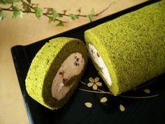 小豆クリーム入り抹茶のシフォンロールケーキ