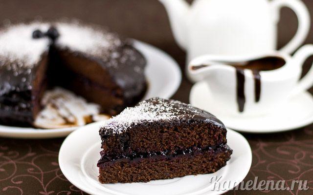 Постный пирог с джемом и глазурью
