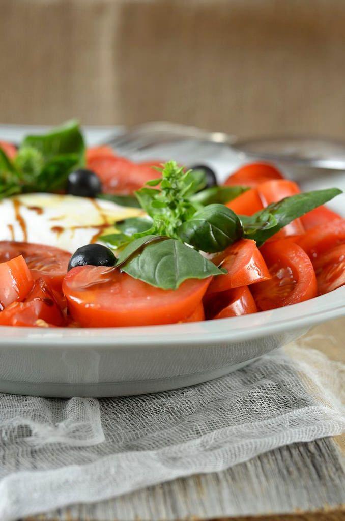 Salade de tomate mozzarella burrata - Tangerine Zest